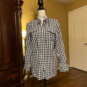 Chaps Black and White Button Down
